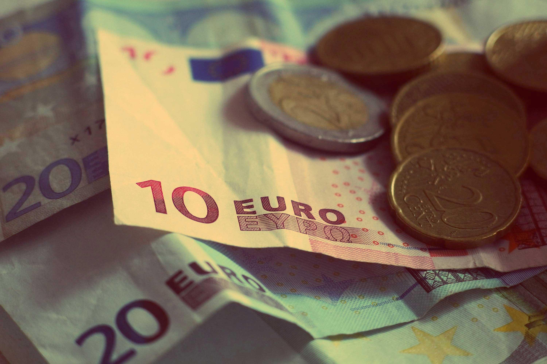 Jak wystawić fakturę walutową